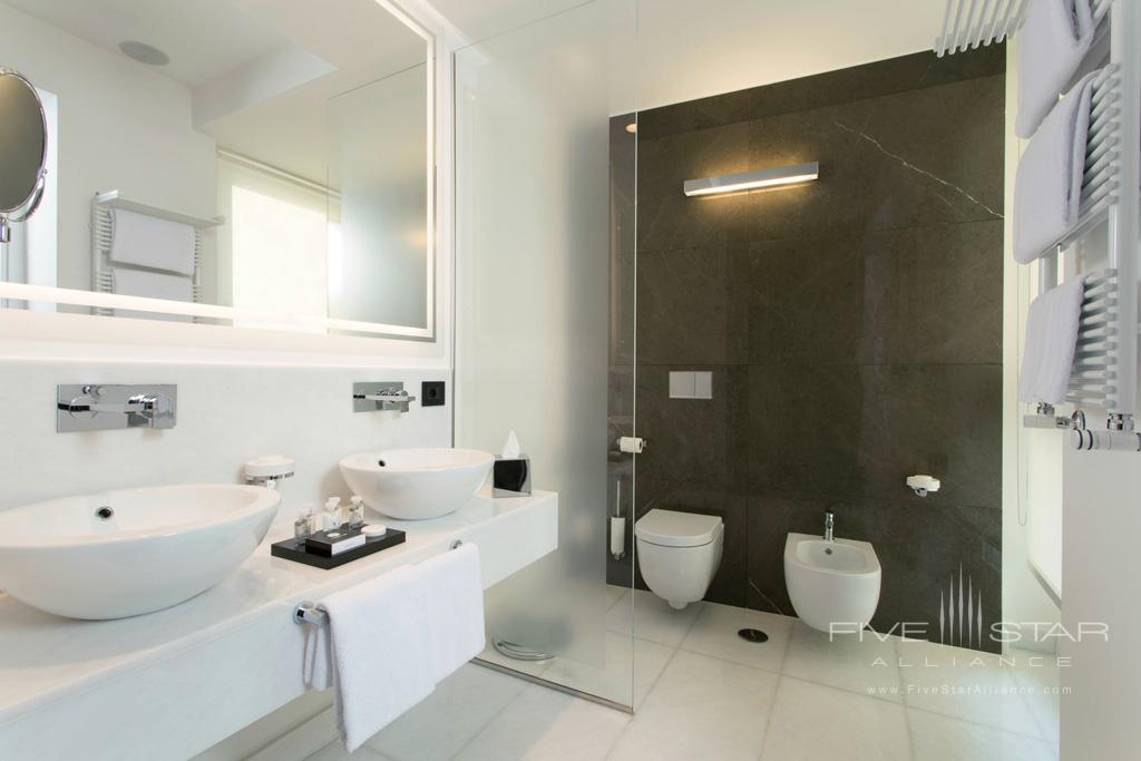 Guest Bath at Corso 281, Rome Italy