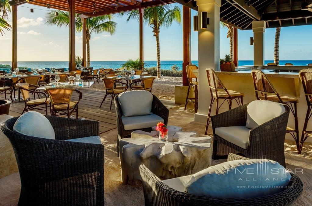 Oceanfront bar at Zemi Beach House