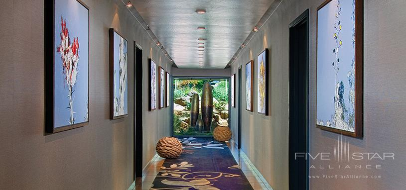 The Sanctuary on Camelback Mountain Private Homes - Hallway of Gallery