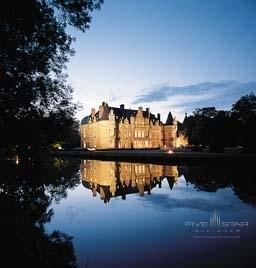 Chateaux By Night