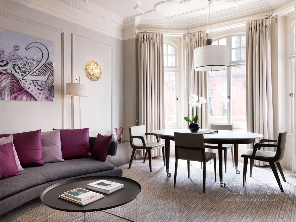 Suite Living Room at Athenaeum Hotel and Apartments, London, United Kingdom