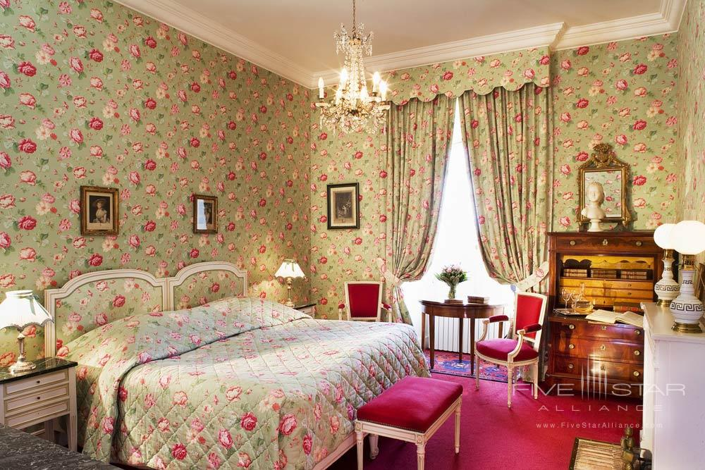 Chateau DArtigny deluxe roomMontbazonFrance