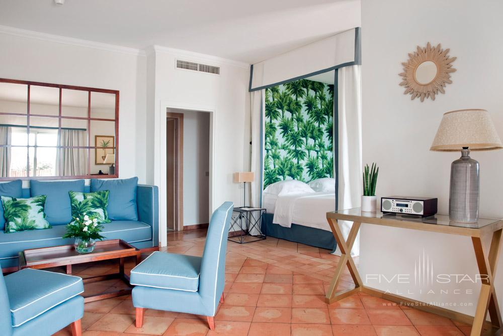 Master Deluxe Sea View Family Room at ll PellicanoItaly
