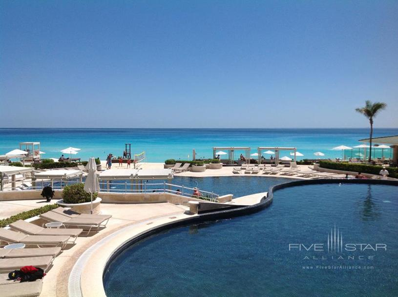 Sandos Cancun Luxury Experience Resort Pool View