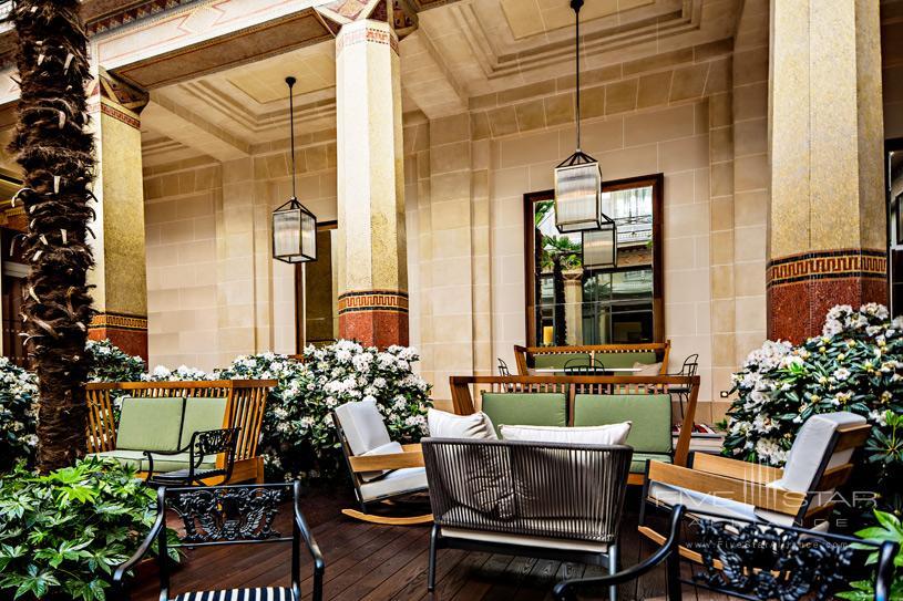 Hotel Prince De Galles Patio