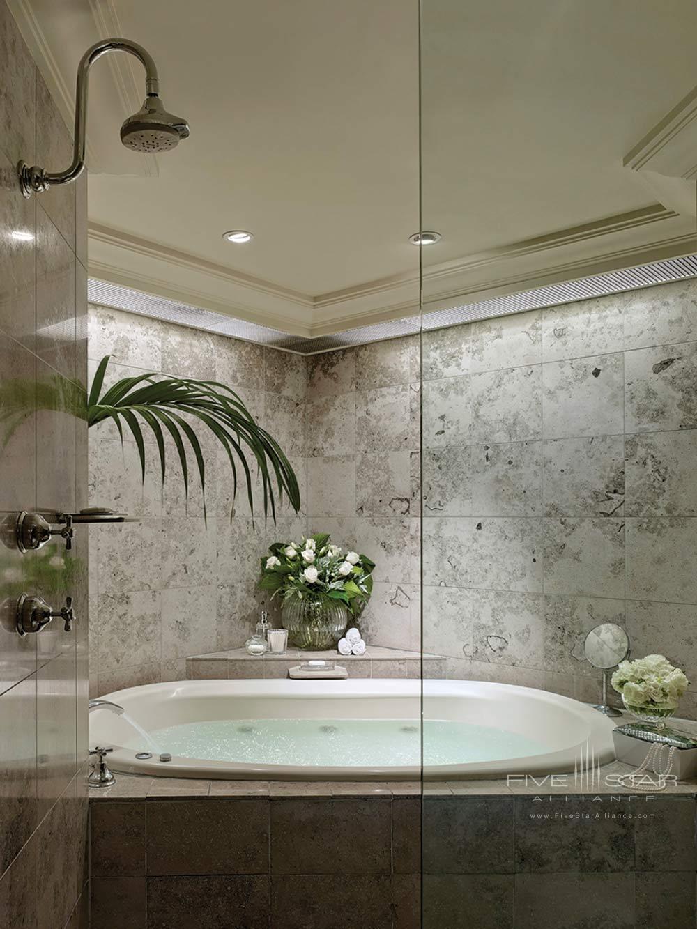 Suite Bath.