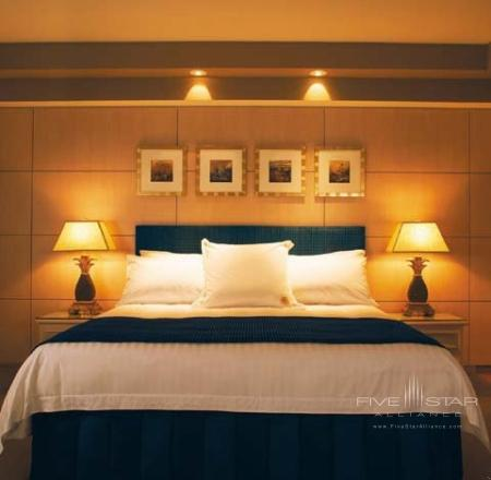 Oasis Room - Bed
