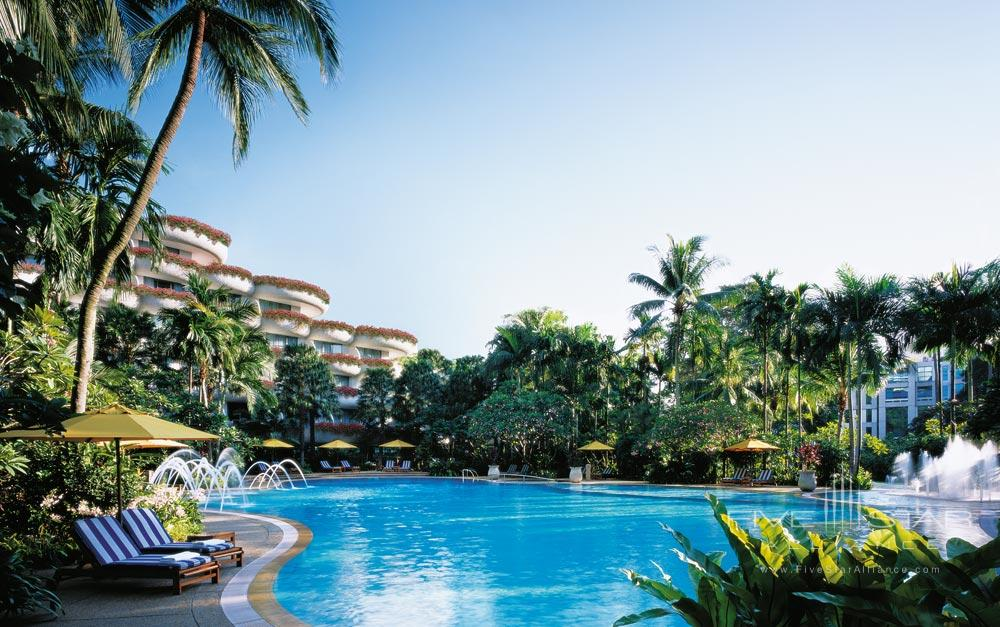 Outdoor Pool at Shangri-La Hotel SingaporeSingapore