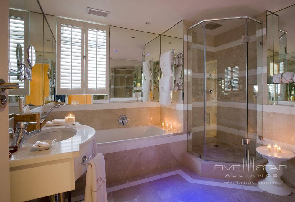 Luxury Room Bath at Twelve Apostles Hotel