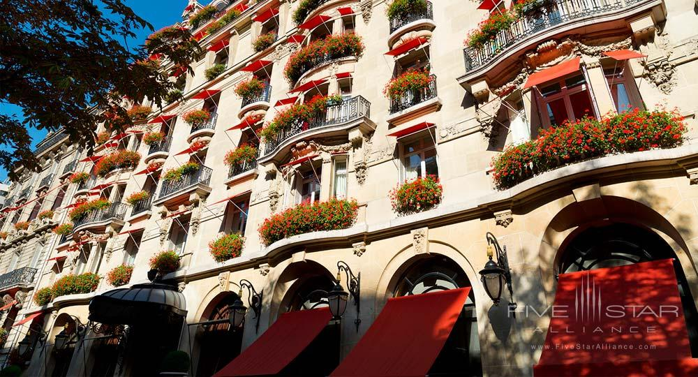 Exteior of the Hotel Plaza Athenee Paris