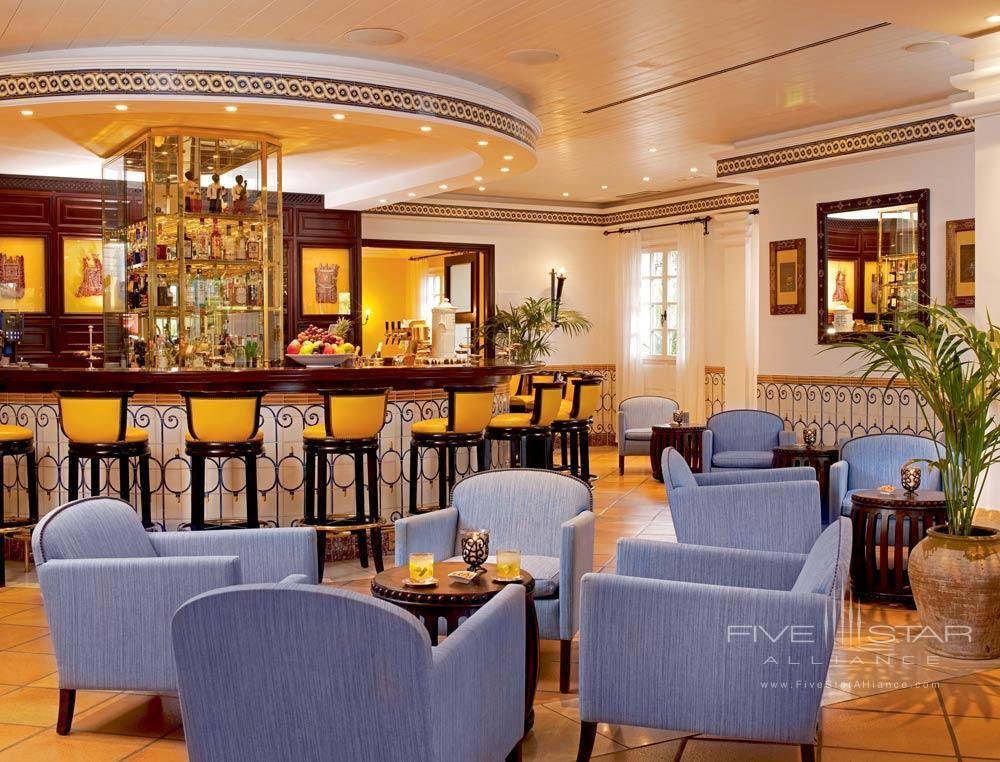 Bar at Seaside Grand Hotel Residencia