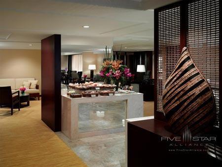 The Peninsula Manila - The Club Lounge