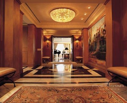 The Peninsula Suite Hallway