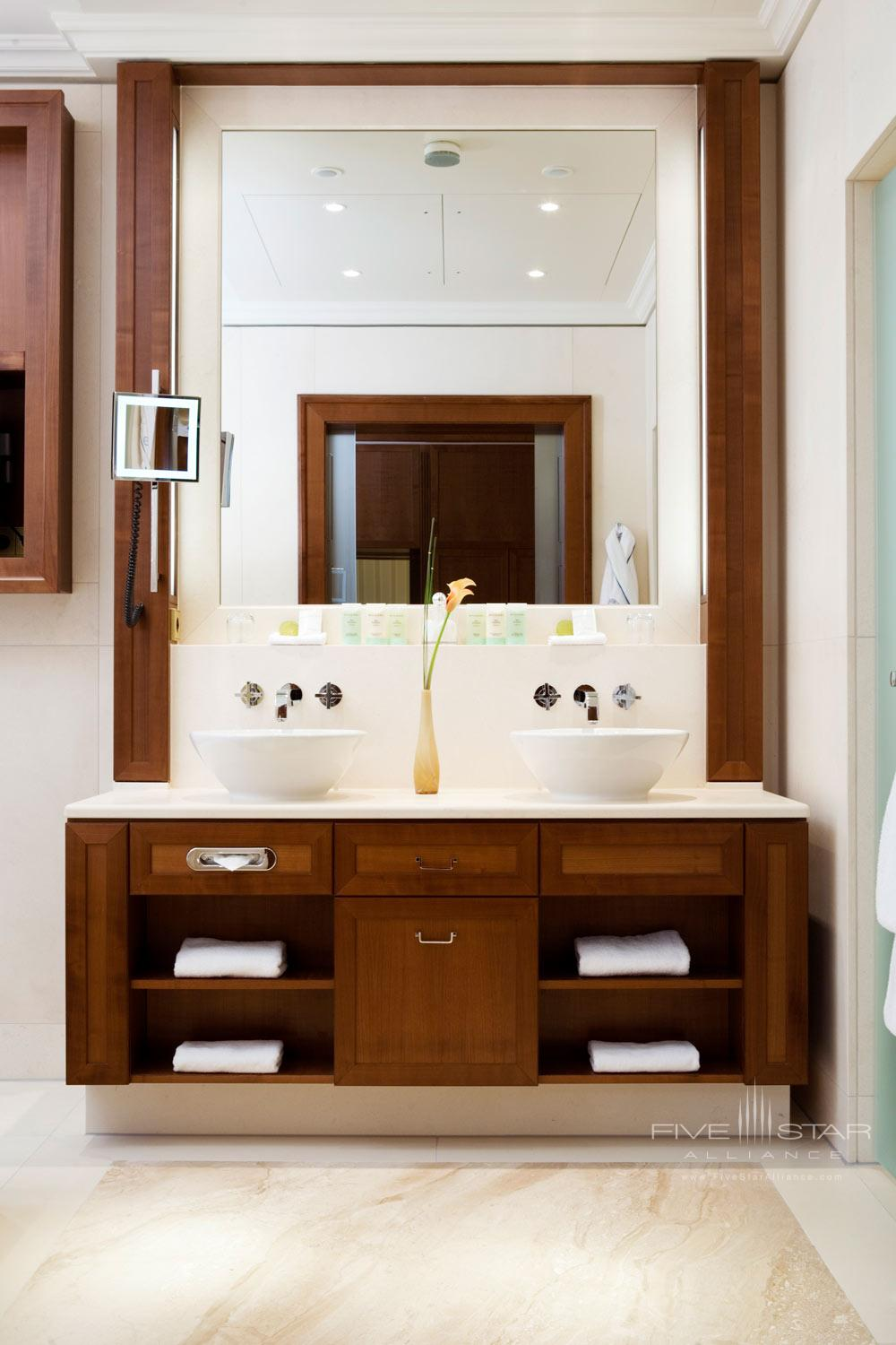 Deluxe Double Bath at Excelsior Hotel Ernst in CologneNorth-Rhein WestphaliaGermany