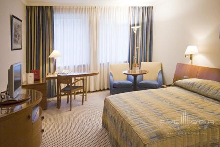 Le Royal Hotel