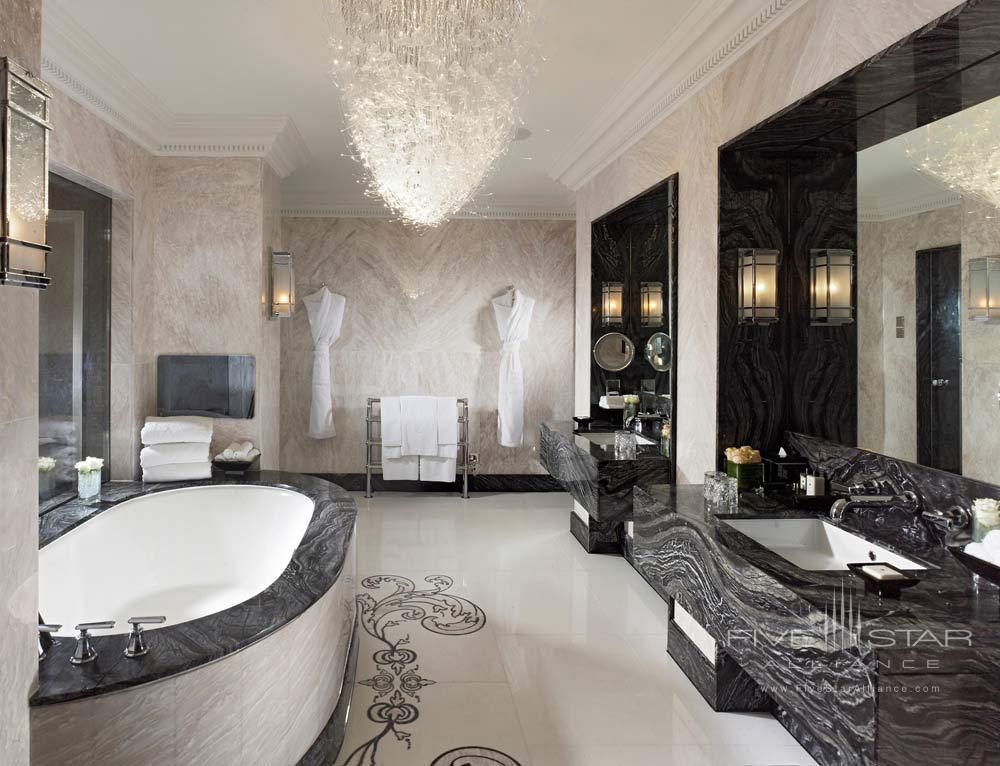 Bath of Royal Suite at Mandarin Oriental Hyde Park