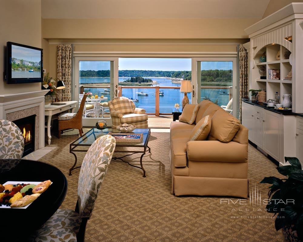 Round Cove Suite Living Area at Wequassett InnMA