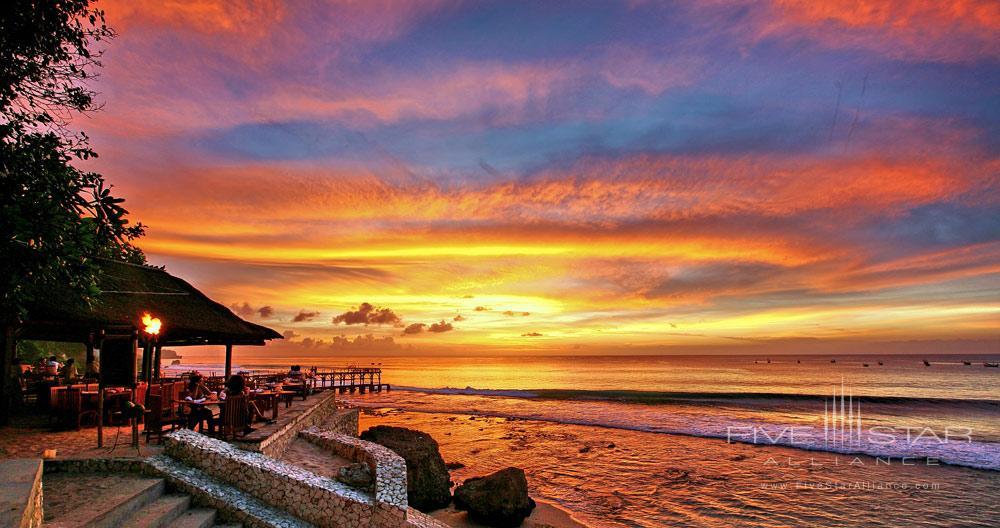 Kisik Bar and Grill on the beach at AYANA Resort and Spa, Bali