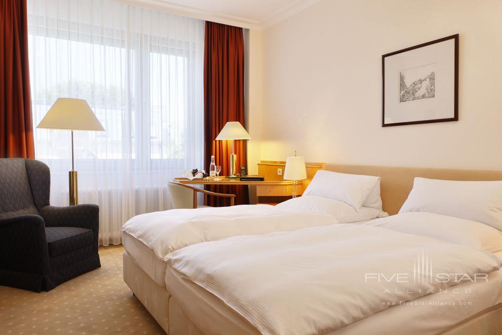 Berlin Classic Zimmer at Kempinski Hotel Bristol Berlin