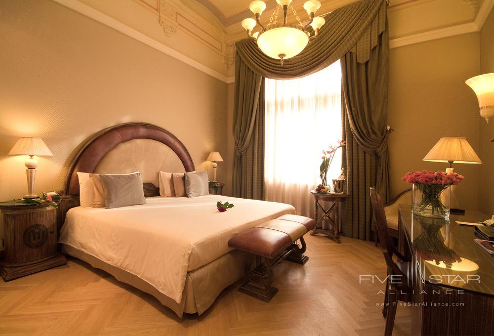 Guestroom at Carlo IV