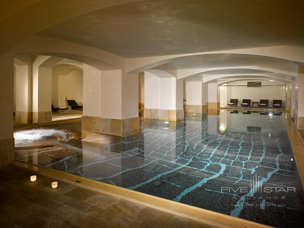 Indoor Pool at Carlo IV