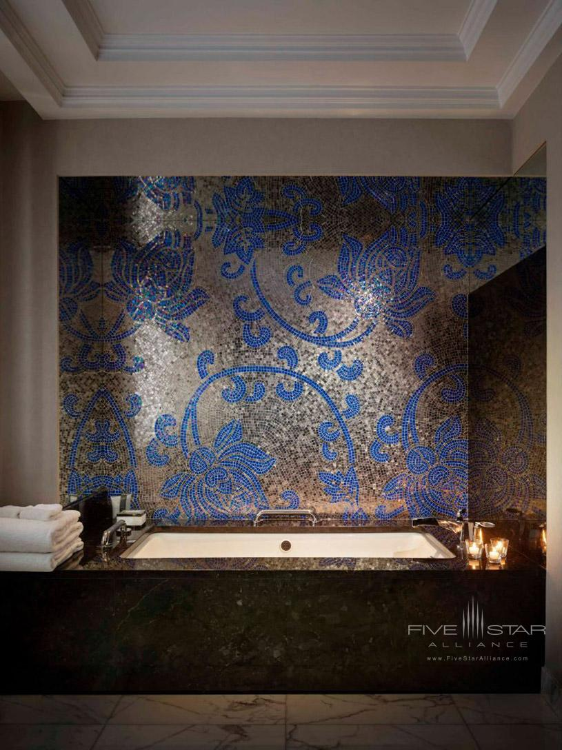 JW Marriott Essex House New York Guest Bathroom