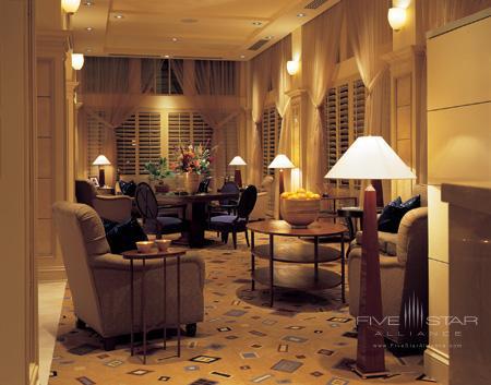 The Ashton Lounge