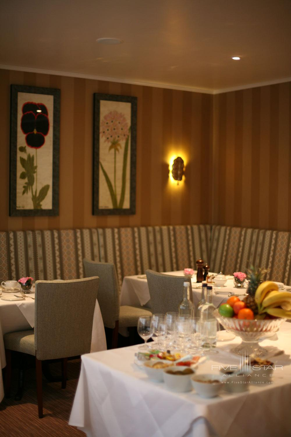 Dining at The Draycott Hotel, London