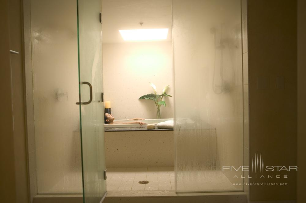 Loews Santa Monica Beach Hotel suite bathCA