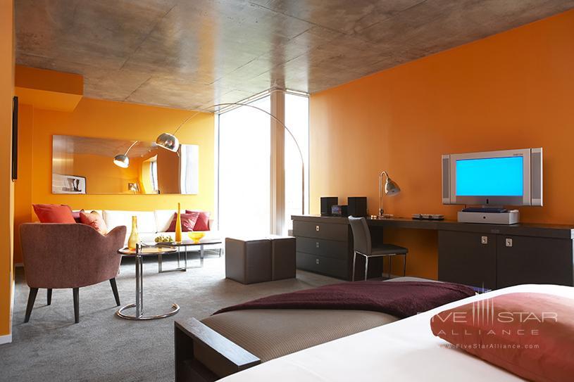 Hotel 10 Montreal Junior Pierre Room