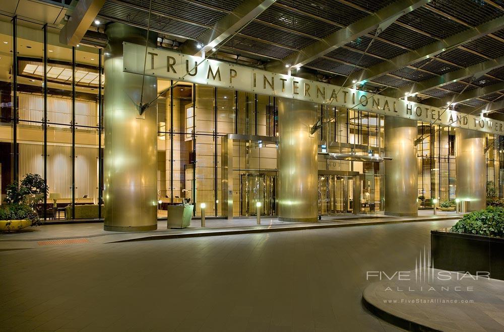 Entrance to Trump International Hotel Chicago
