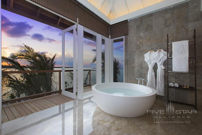 Naladhu Resort Two Bedroom Pool Residence Bathroom