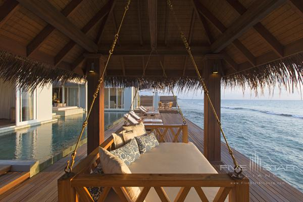 Naladhu Resort Two Bedroom Pool Residence Swing