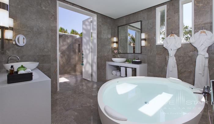 Naladhu Resort Two Bedroom Pool Residence Twin Bedroom Bathroom