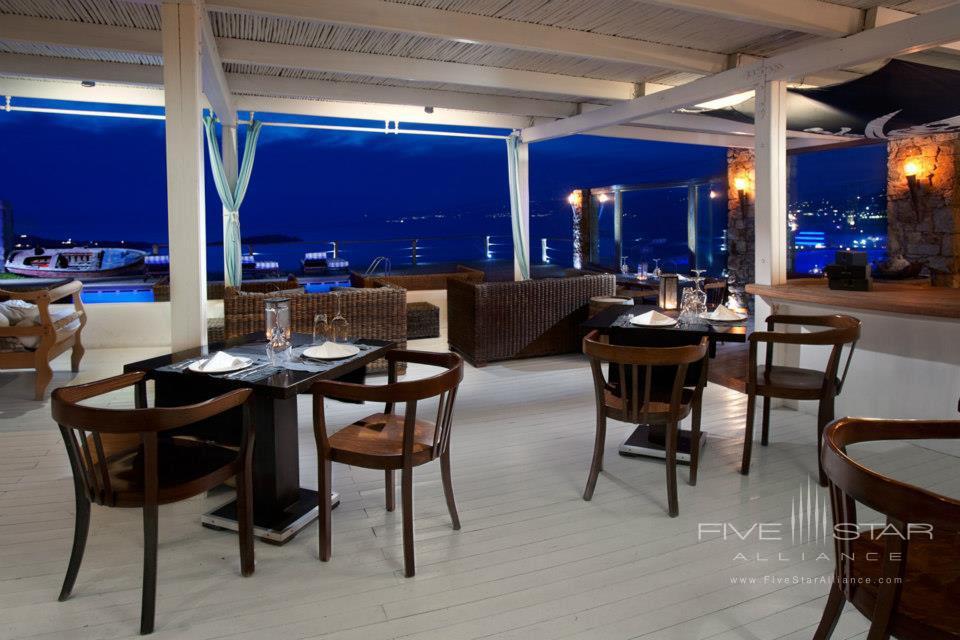 Dining at Tharroe Mykonos