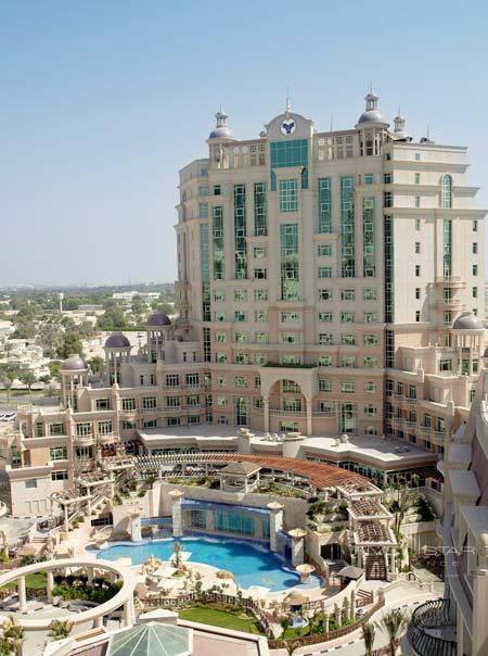 Al Murooj Rotana Hotel and Suites