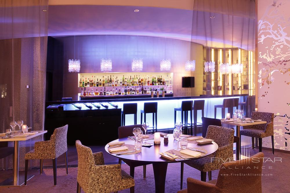 Bar at Sofitel Brussels Europe