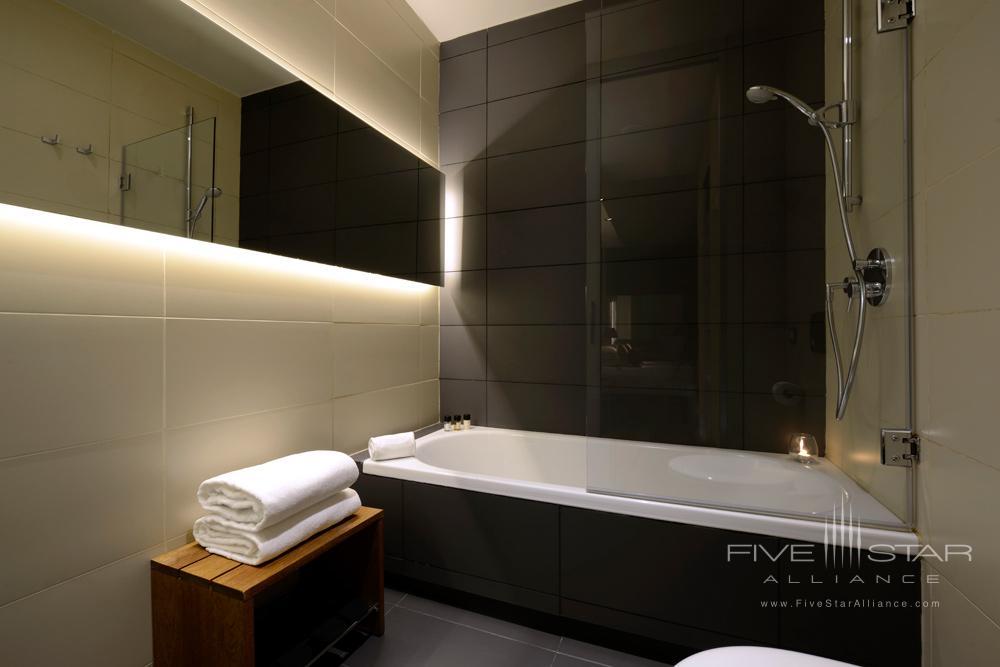 Suite Bath, Grand Hotel Central Barcelona