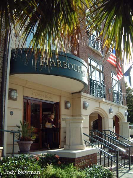 HarbourView Inn