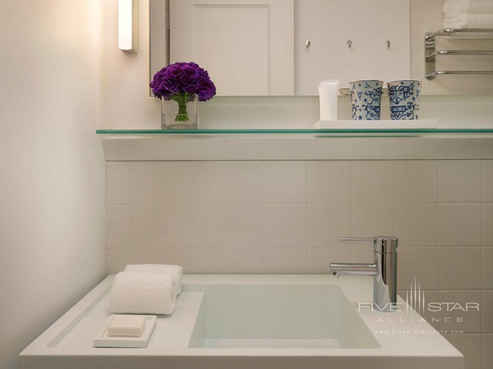 Public Chicago Guest Room Bath