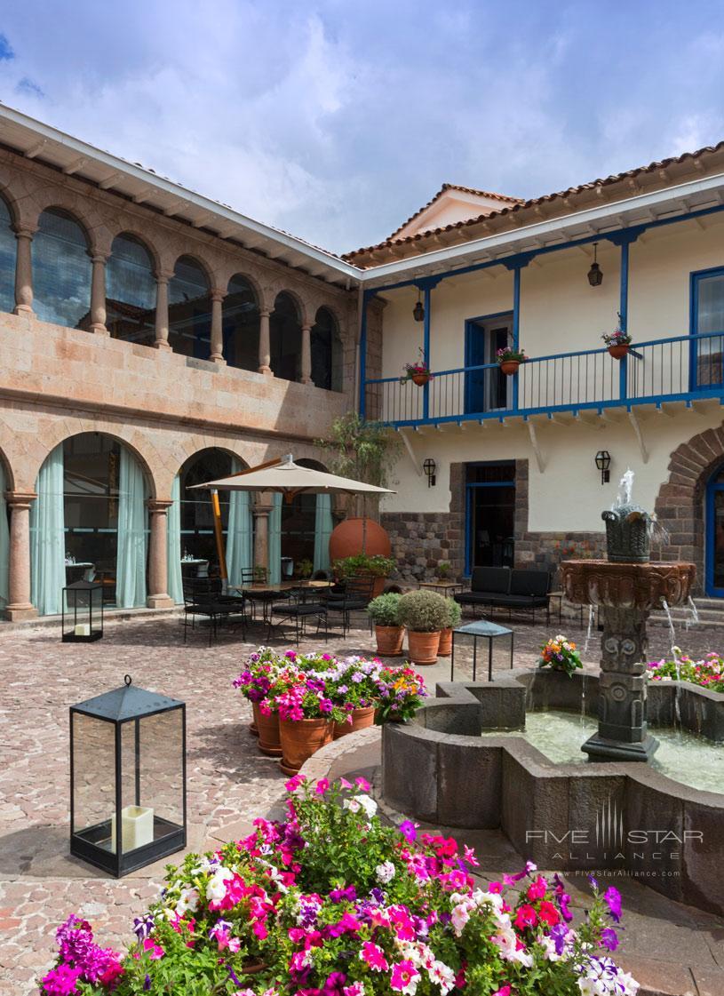 Palacio del Inka Cuatro Bustos Main Courtyard