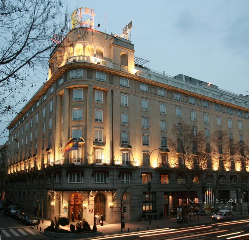 Wellington Hotel Facade