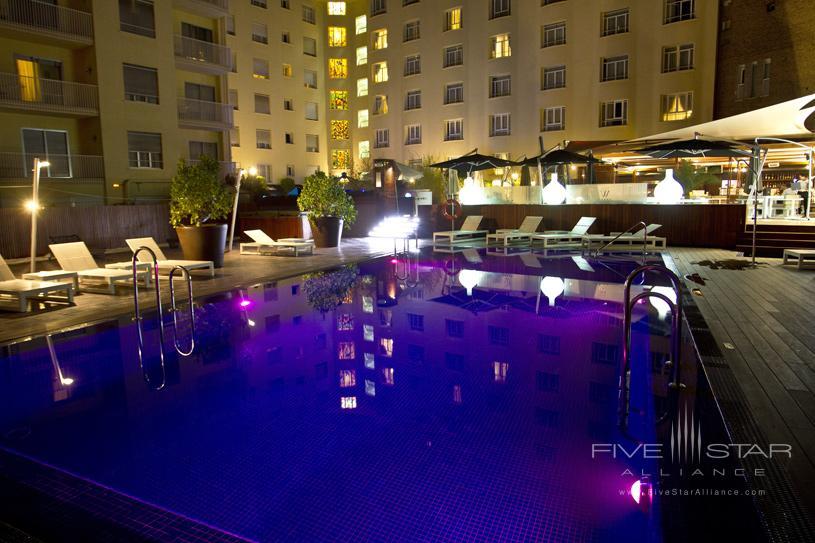Wellington Hotel Pool at Night