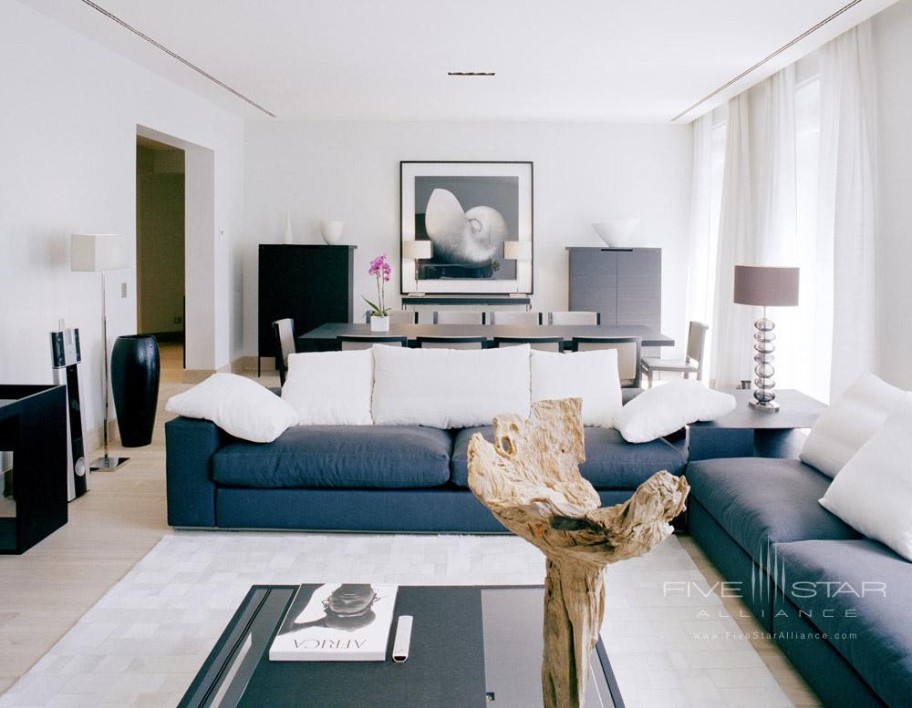 La Reserve Paris Suite Living Area