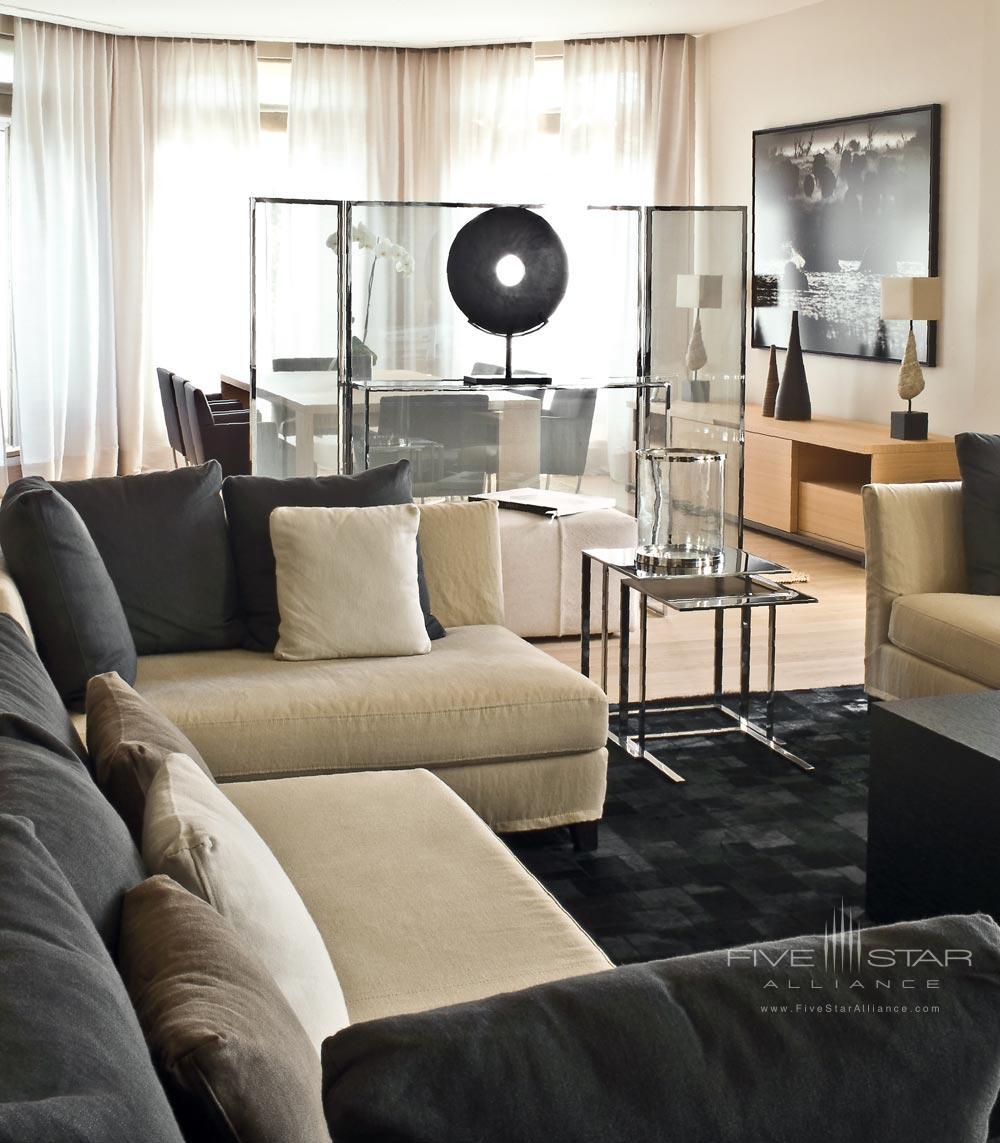 La Reserve Paris Suite Family Room