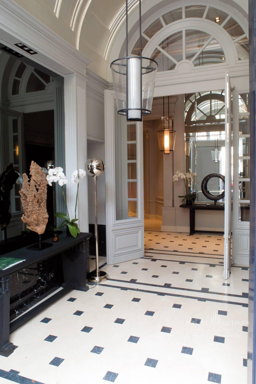 La Reserve Paris Lobby