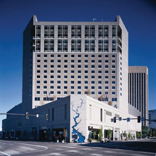 The Grove Hotel