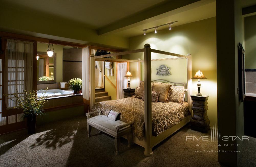Amos King Suite at The Inn at Leola VillagePA