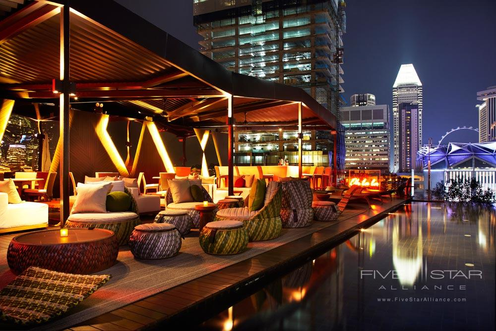 Rooftop Pool Bar and Lounge at Naumi Hotel Singapore