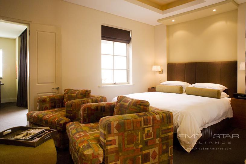 The Louise Vineyard Suite Bedroom